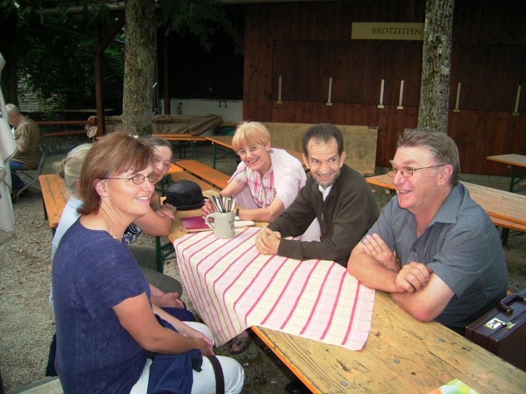 Auf diesem Foto ist die Vorstandschaft des PNRW zu sehen, die bei seinem Deutschlandbesuch mit Pater Stefan Stirnemann (2. von rechts) im August 2012 zusammentraf.